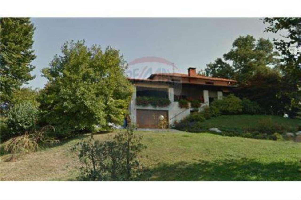 Villa in vendita a Cunardo, 11 locali, prezzo € 590.000 | Cambio Casa.it