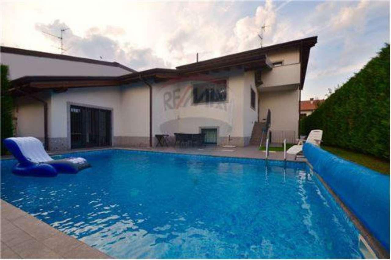 Villa in vendita a Legnano, 10 locali, prezzo € 895.000   Cambio Casa.it