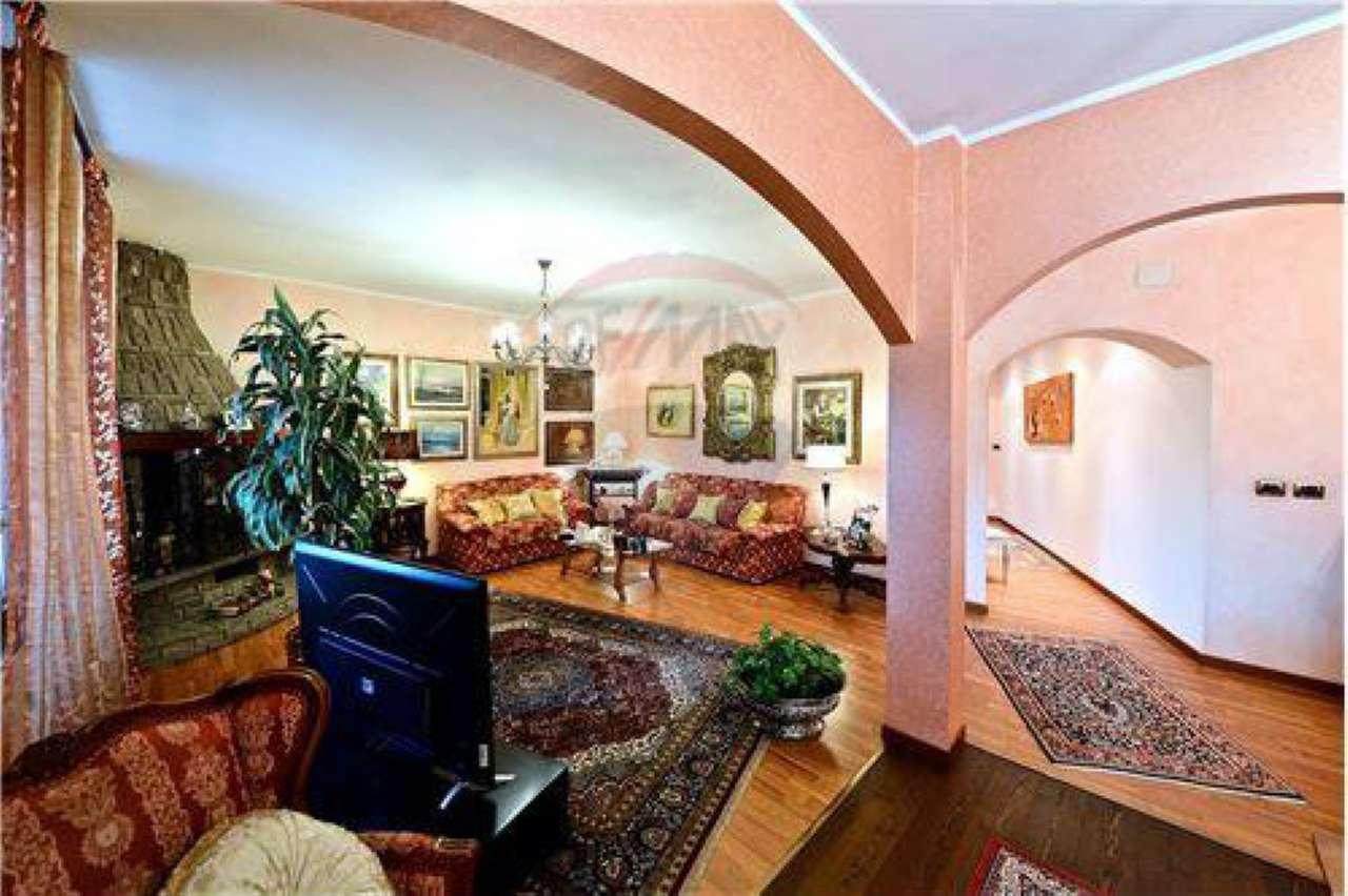 Appartamento in vendita a Lonate Ceppino, 5 locali, prezzo € 180.000   Cambio Casa.it
