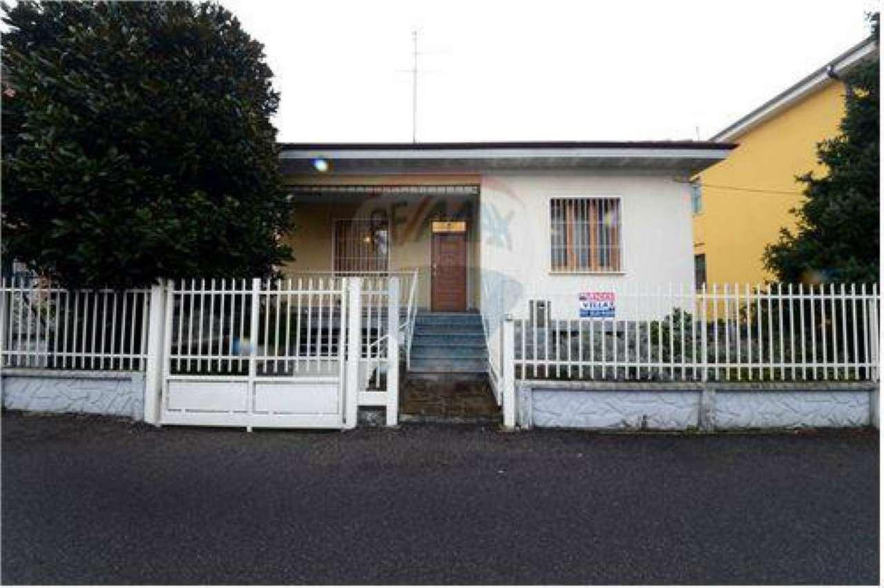 Villa in vendita a Bollate, 3 locali, prezzo € 275.000 | Cambio Casa.it