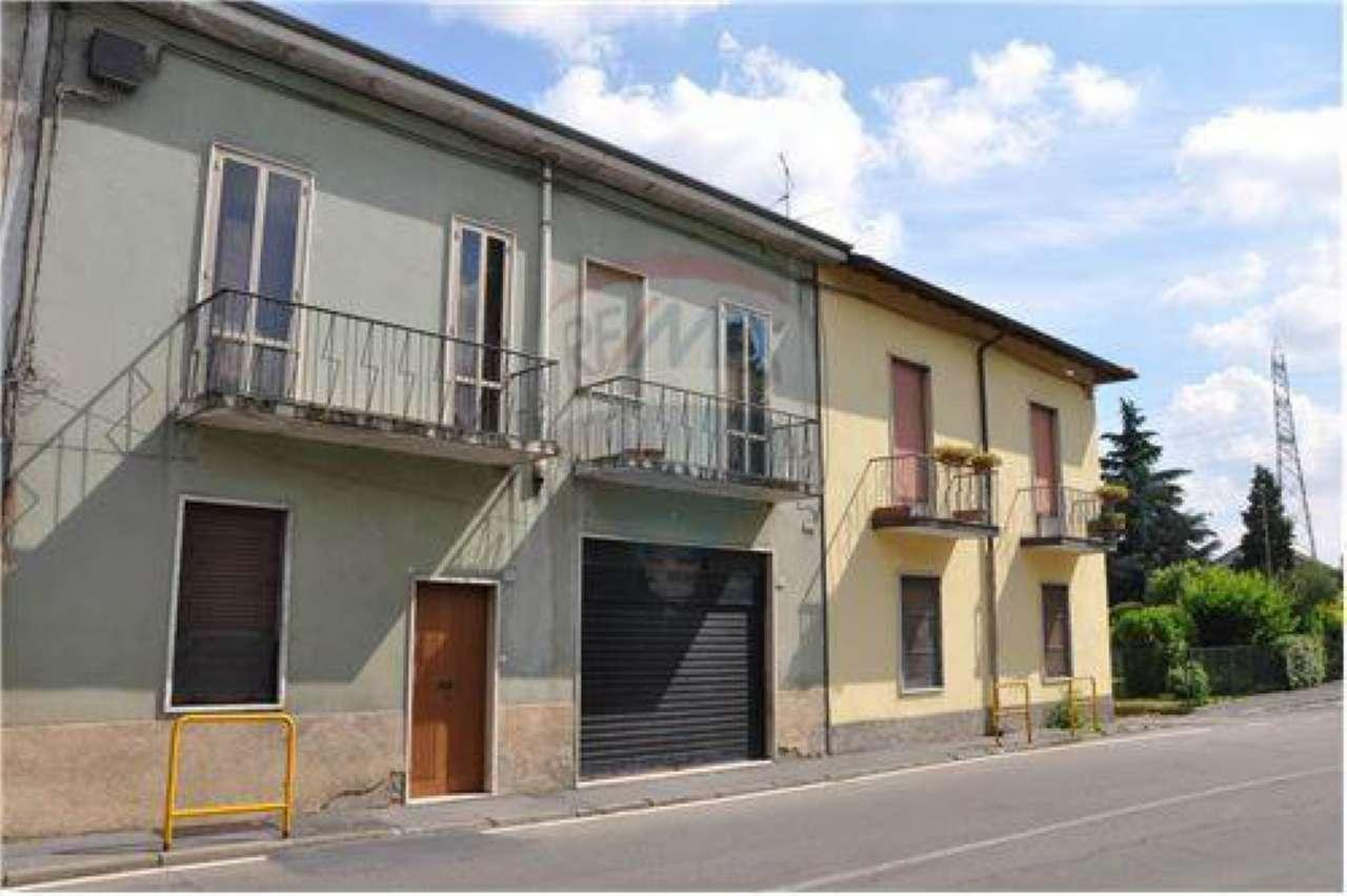 Rustico / Casale in vendita a Bollate, 4 locali, prezzo € 165.000 | Cambio Casa.it
