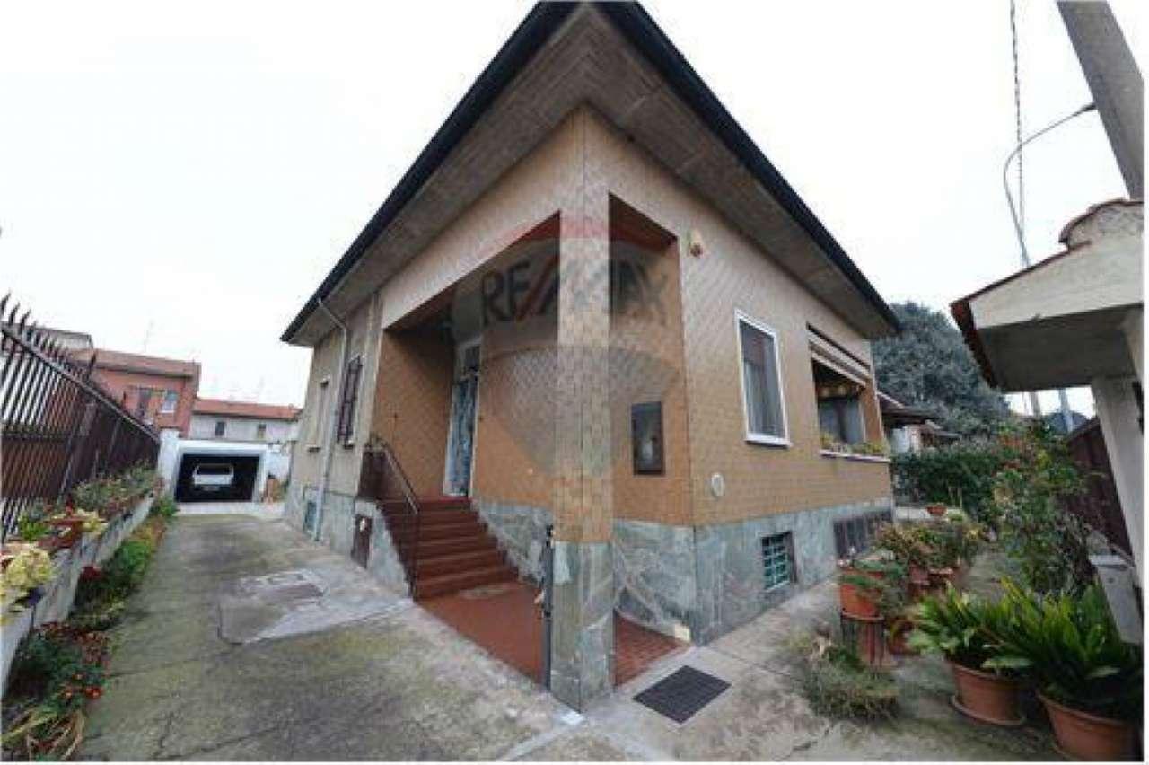 Villa in vendita a Baranzate, 4 locali, prezzo € 395.000 | Cambio Casa.it