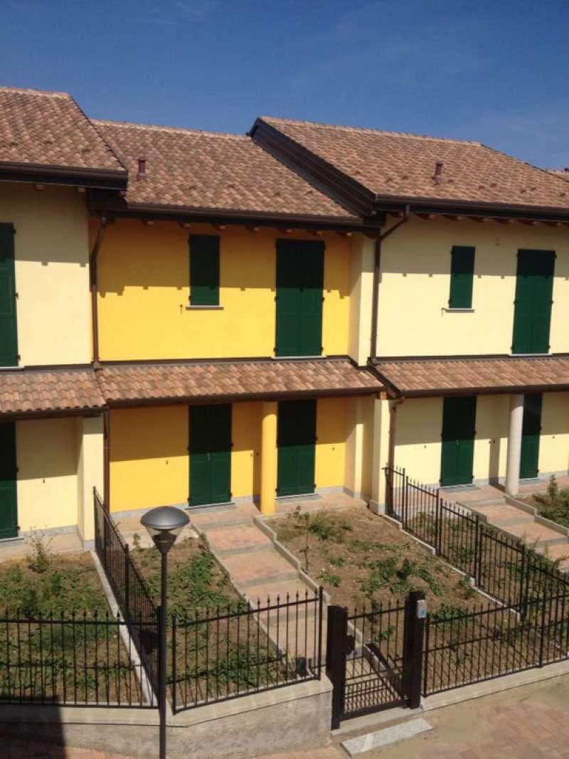 Appartamento in affitto a Cornaredo, 4 locali, prezzo € 1.300 | Cambio Casa.it