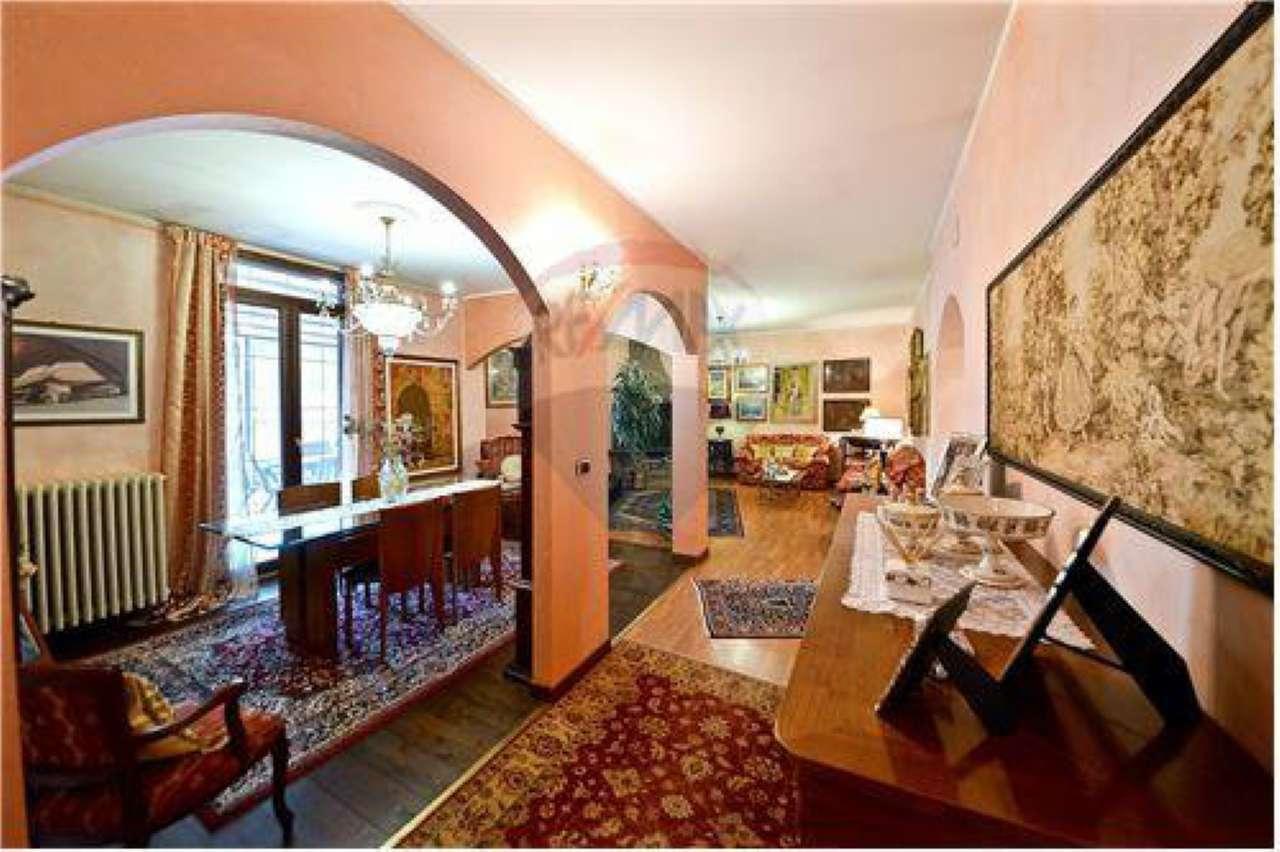 Appartamento in vendita a Lonate Ceppino, 5 locali, prezzo € 180.000 | Cambio Casa.it
