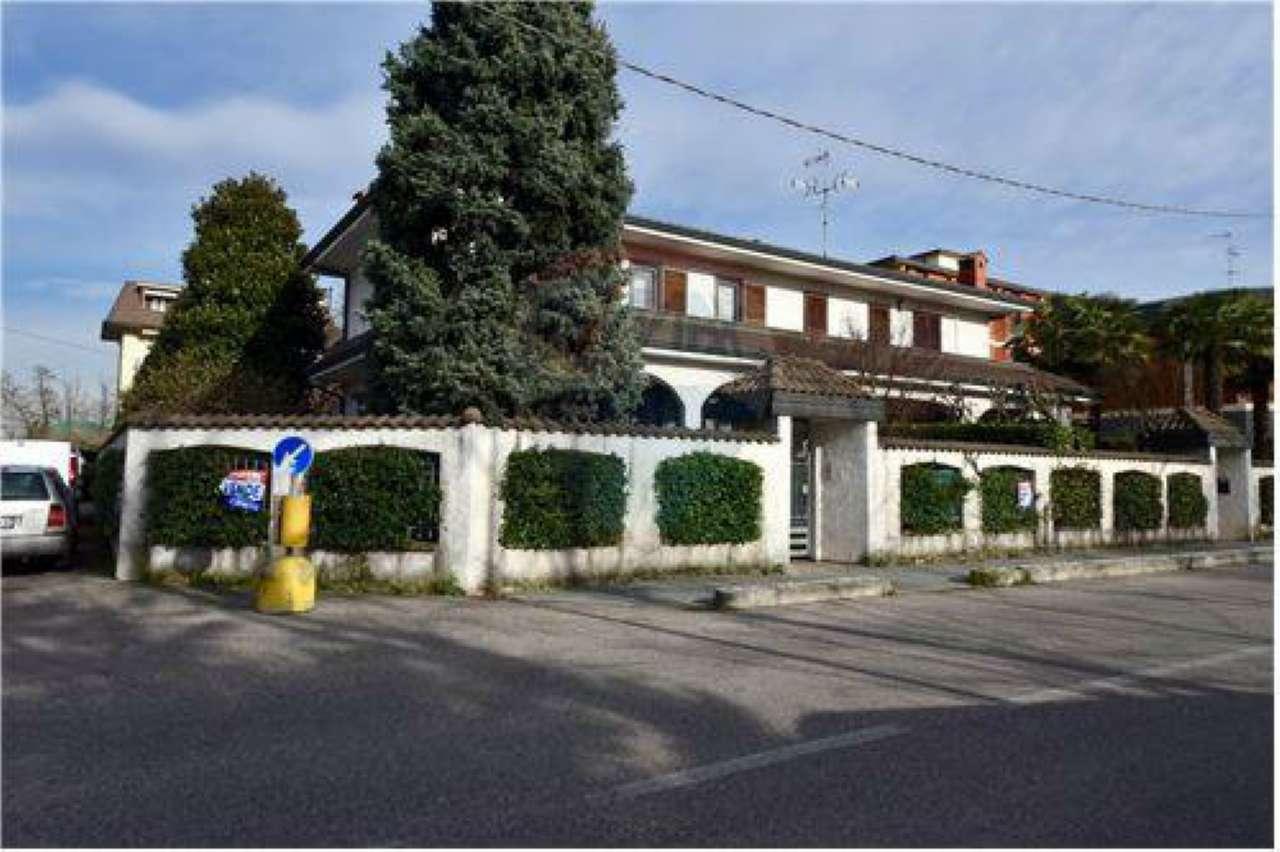 Villa in vendita a Bollate, 6 locali, prezzo € 548.000   Cambio Casa.it