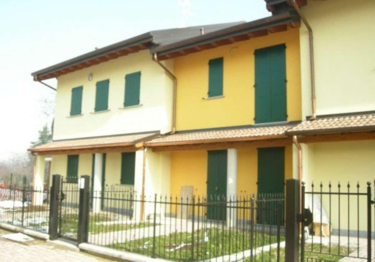 Villa in affitto a Cornaredo, 4 locali, prezzo € 1.300 | CambioCasa.it