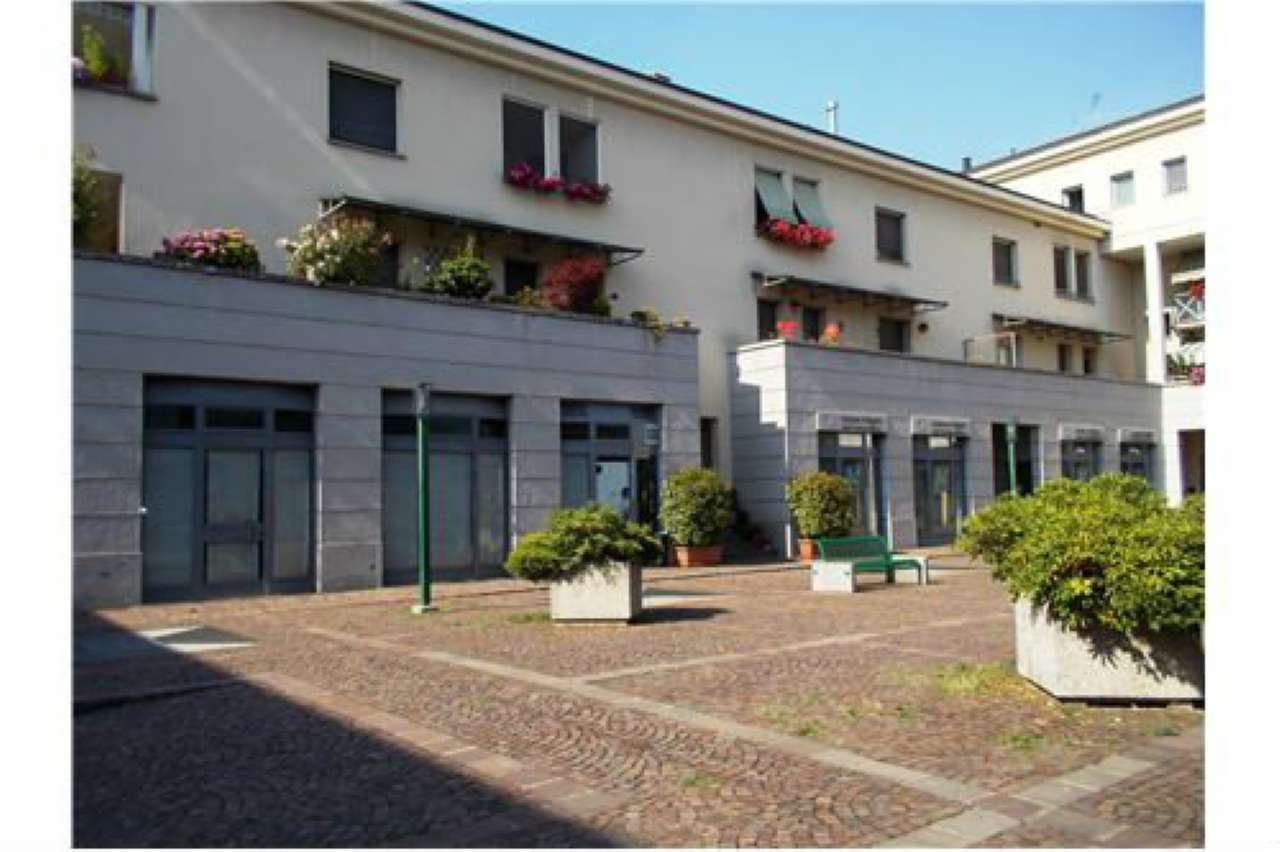 Negozio / Locale in affitto a Bollate, 1 locali, prezzo € 1.250 | Cambio Casa.it