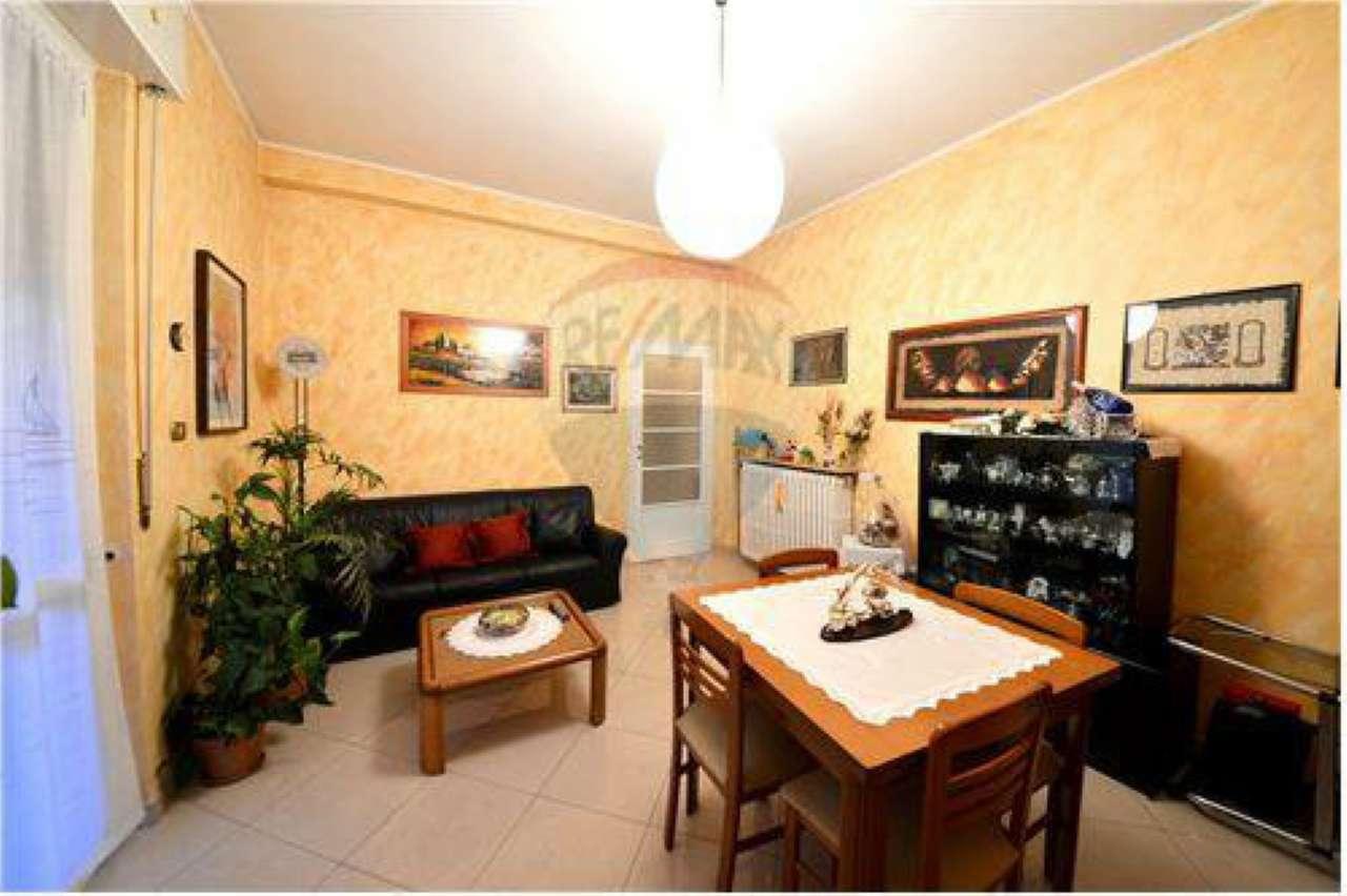 Villa in vendita a Baranzate, 4 locali, prezzo € 360.000   Cambio Casa.it