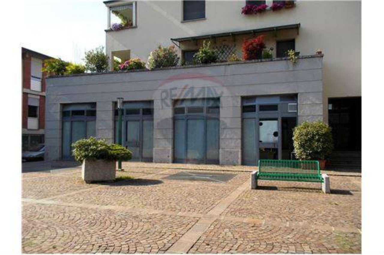 Negozio / Locale in vendita a Bollate, 1 locali, prezzo € 330.000 | CambioCasa.it