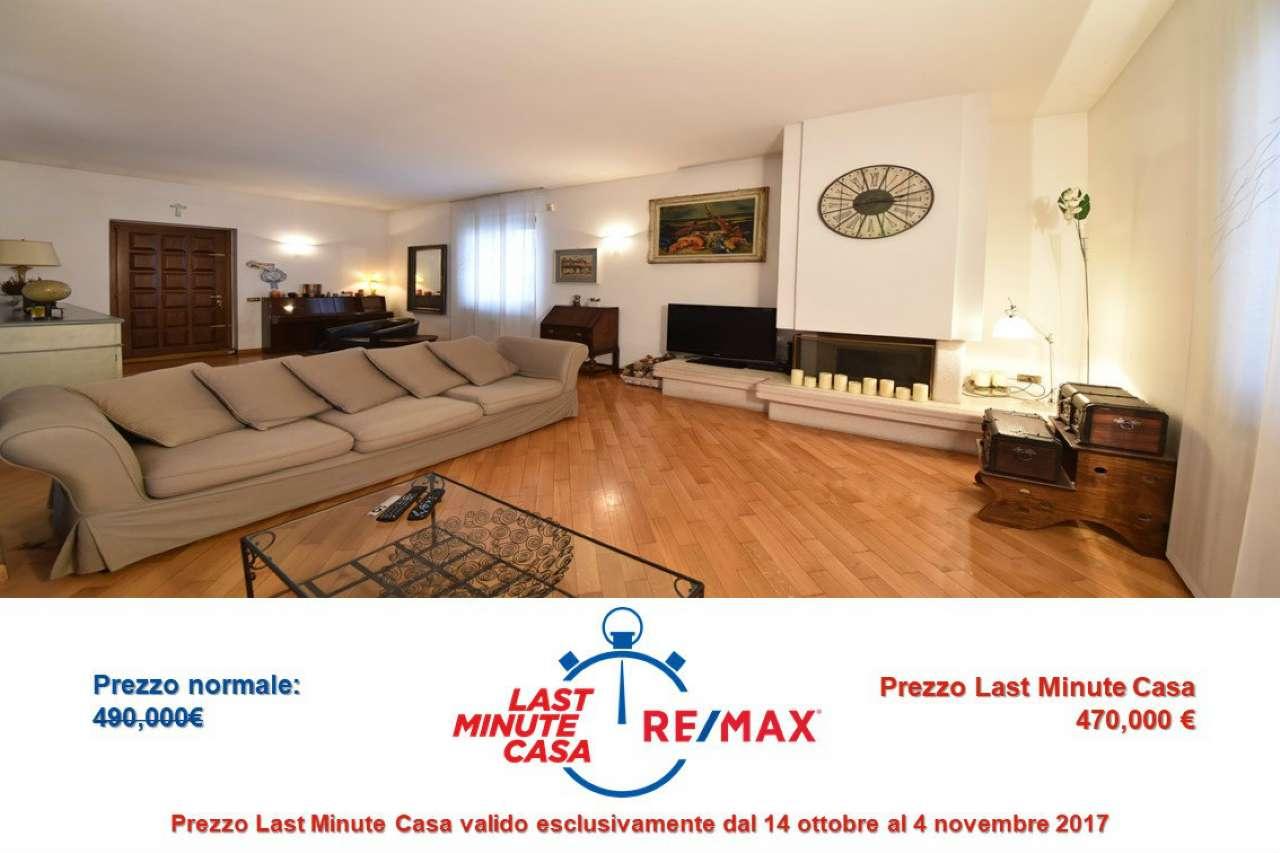 Villa in vendita a Bollate, 6 locali, prezzo € 470.000 | CambioCasa.it