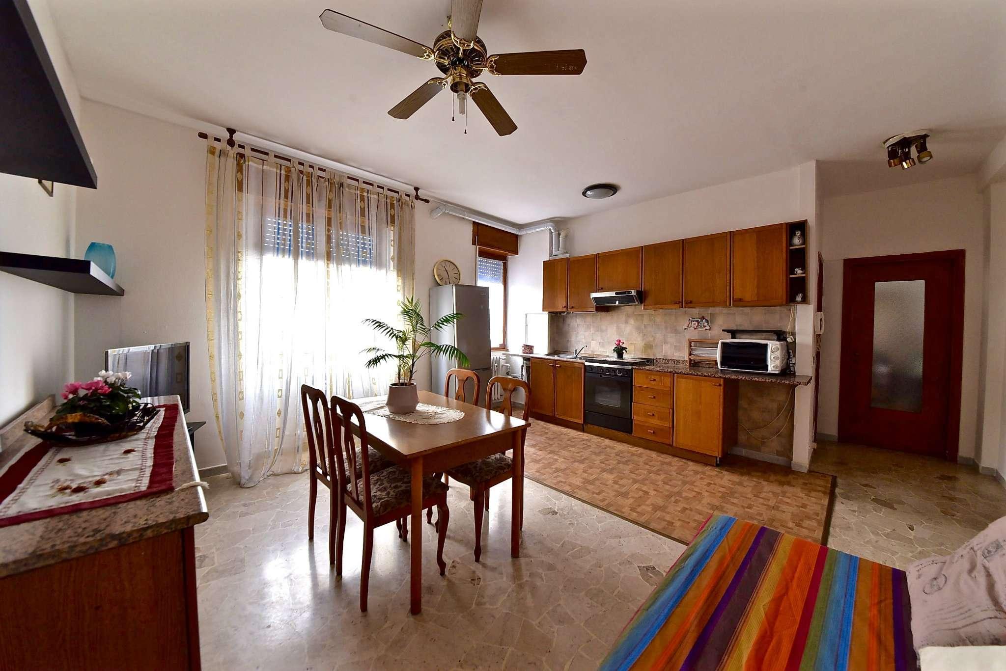 Appartamento in affitto a Bollate, 2 locali, prezzo € 600   CambioCasa.it