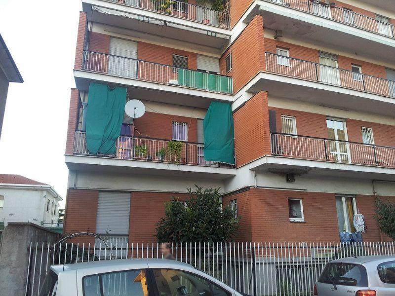 Appartamento in vendita a Baranzate, 2 locali, prezzo € 60.000 | Cambiocasa.it