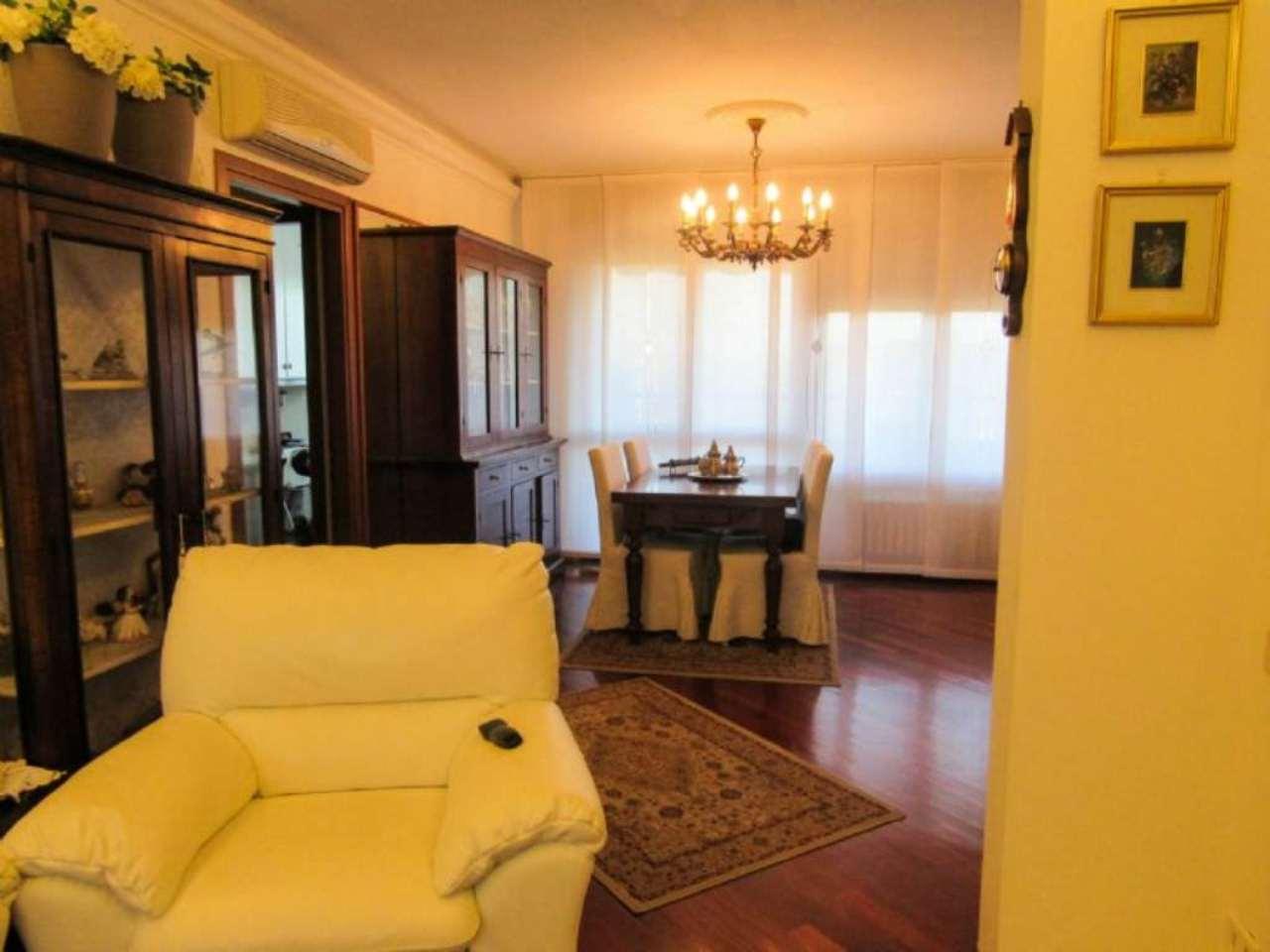 Attico / Mansarda in vendita a Buccinasco, 5 locali, prezzo € 460.000 | Cambio Casa.it