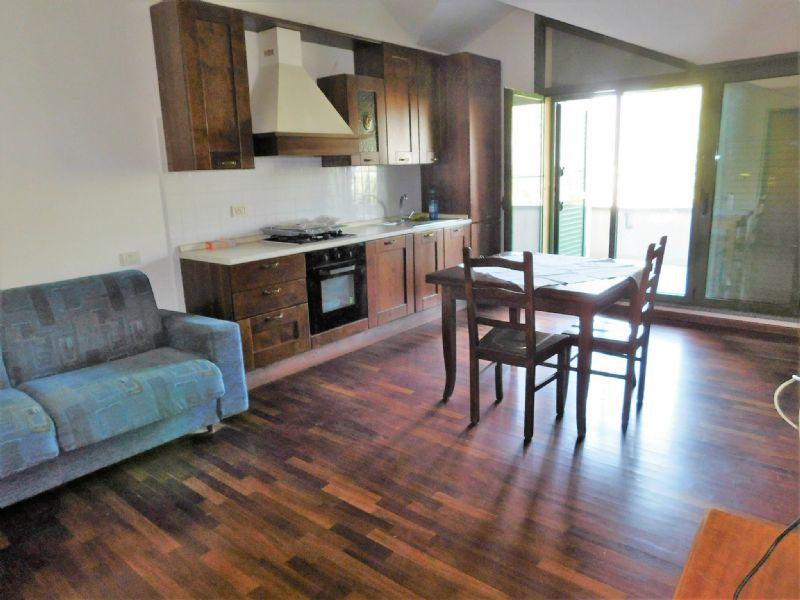 appartamento con terrazzo a buccinasco - cambiocasa.it - Casa Arredamento Buccinasco