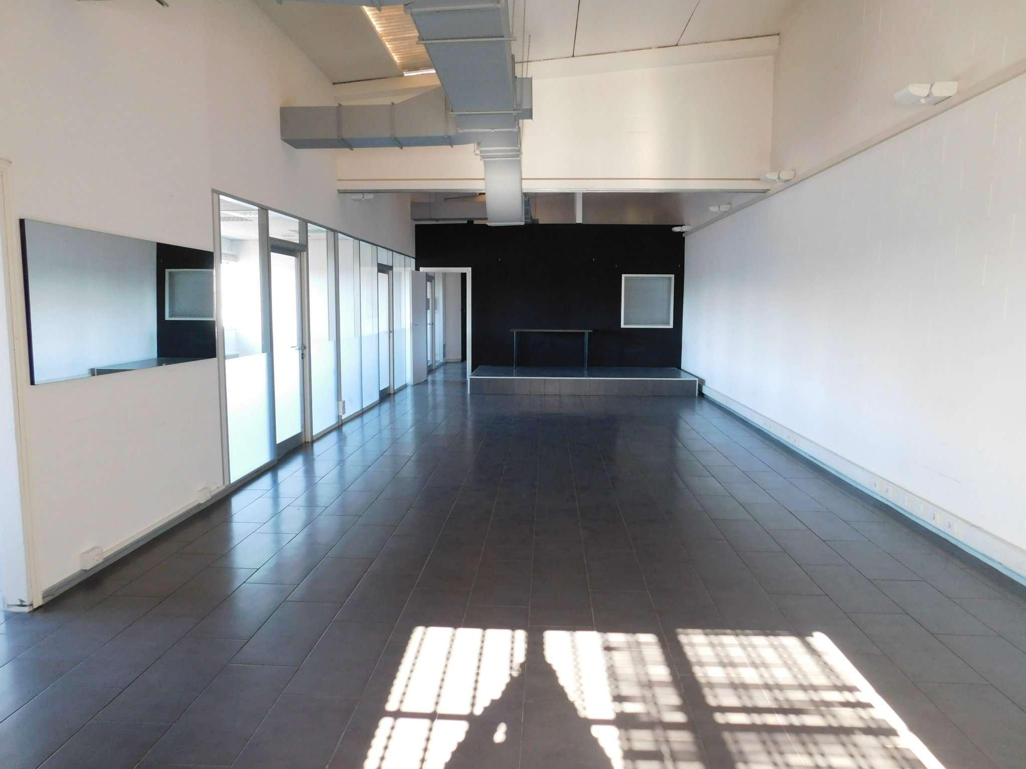 Ufficio / Studio in vendita a Trezzano sul Naviglio, 9999 locali, prezzo € 153.000 | Cambio Casa.it