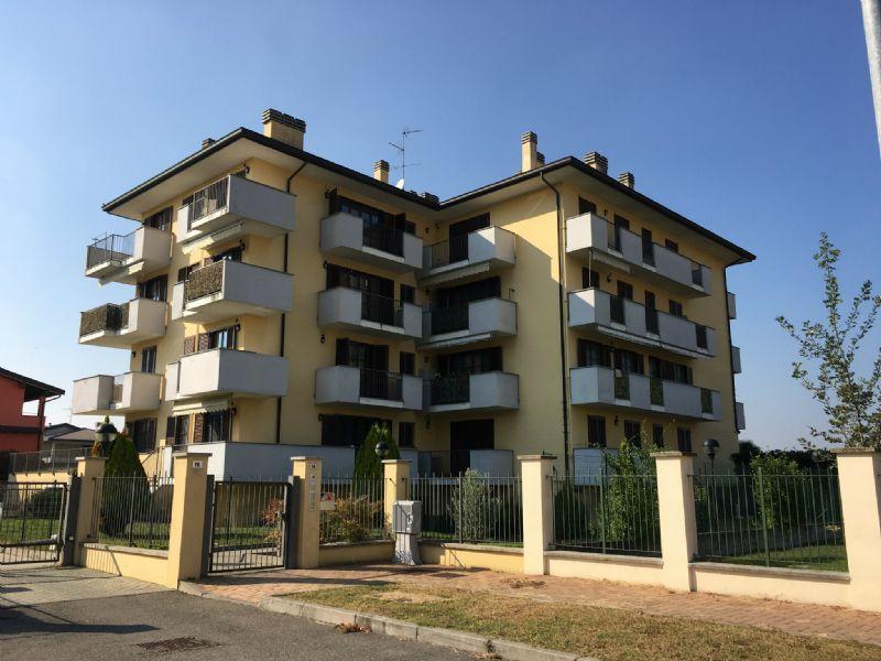Appartamento in vendita a Gaggiano, 3 locali, prezzo € 190.000 | Cambio Casa.it