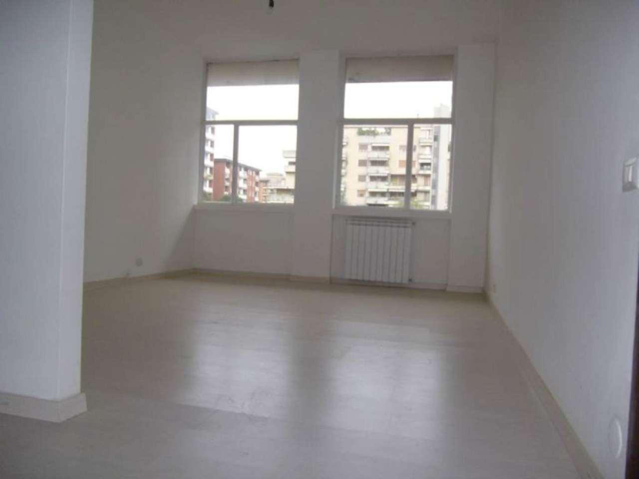 Ufficio / Studio in affitto a Trezzano sul Naviglio, 2 locali, prezzo € 550 | Cambio Casa.it