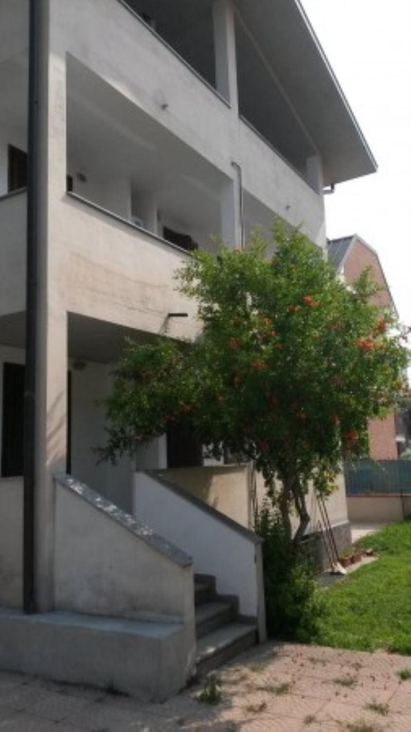 Appartamento in affitto a Garbagnate Milanese, 2 locali, prezzo € 35   Cambio Casa.it