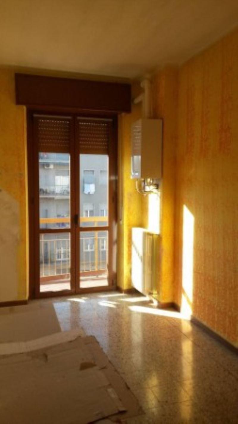 Appartamento in affitto a Limbiate, 3 locali, prezzo € 620 | Cambio Casa.it