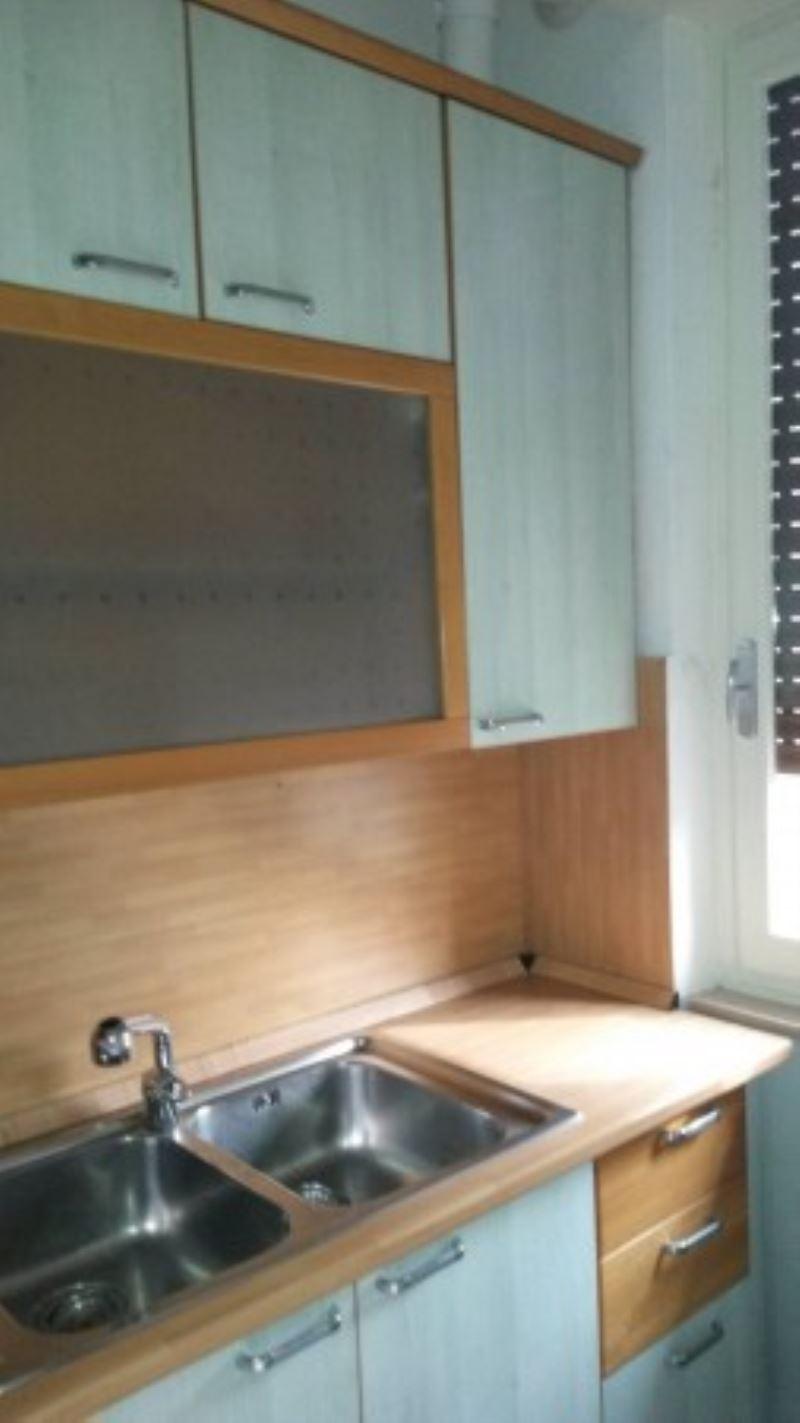 Appartamento in affitto a Garbagnate Milanese, 9999 locali, prezzo € 650   Cambio Casa.it