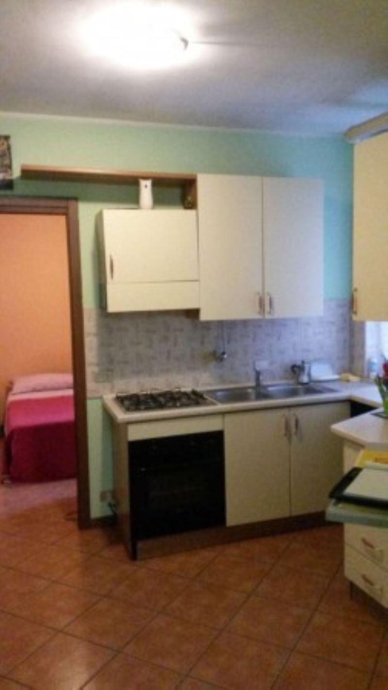 Altro in affitto a Caronno Pertusella, 2 locali, prezzo € 35   Cambio Casa.it