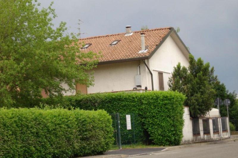 Negozio / Locale in vendita a Cesate, 9999 locali, Trattative riservate | Cambio Casa.it