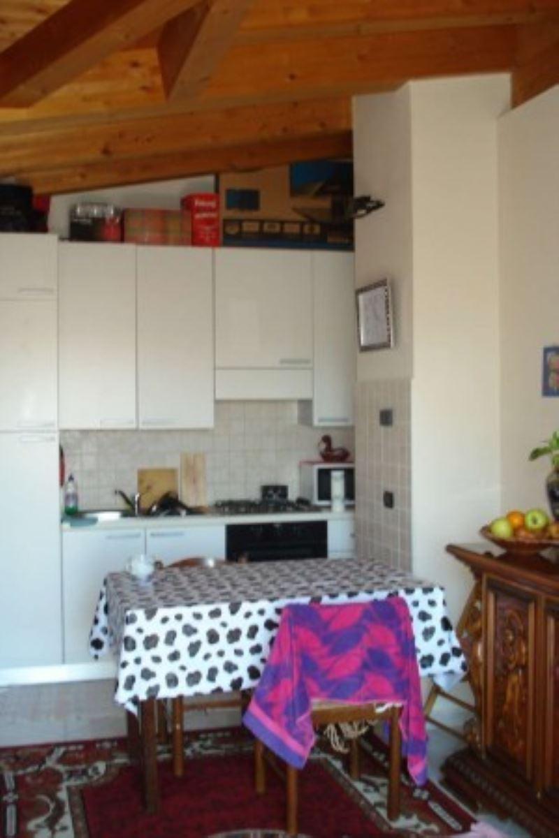 Appartamento in affitto a Garbagnate Milanese, 1 locali, prezzo € 500   Cambio Casa.it