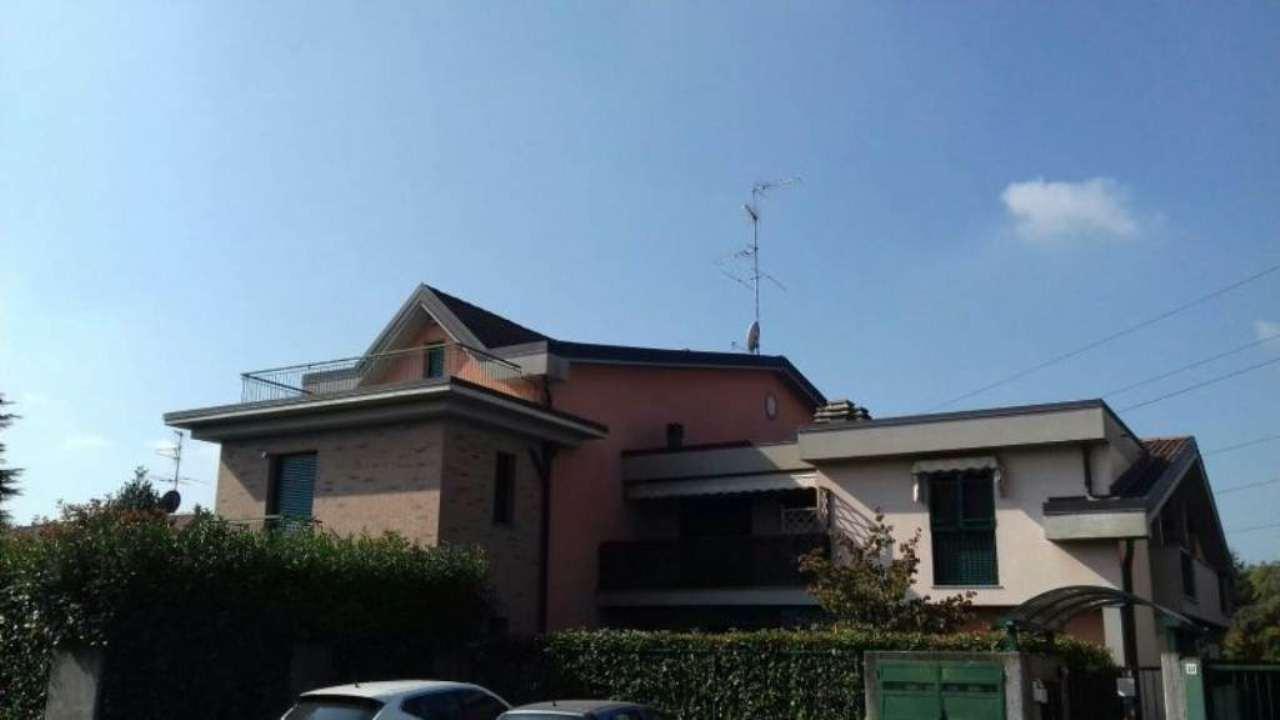 Appartamento in vendita a Ceriano Laghetto, 3 locali, prezzo € 170.000 | Cambio Casa.it