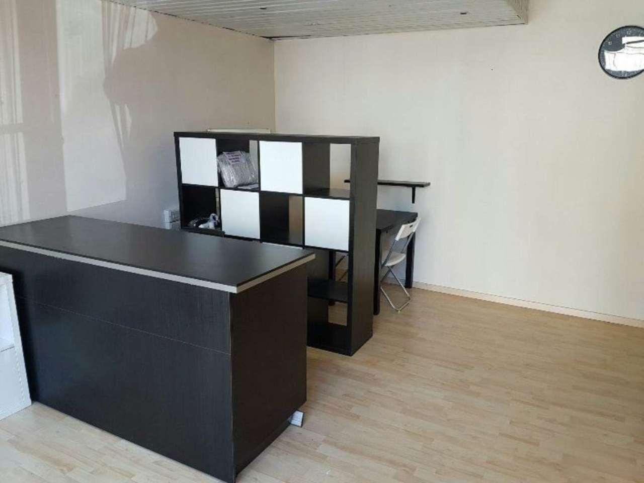 Negozio / Locale in affitto a Cinisello Balsamo, 2 locali, prezzo € 10.000 | Cambio Casa.it