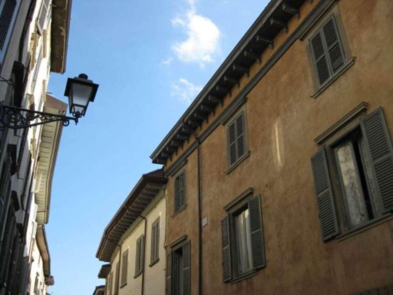 Annunci immobiliari di attici e mansarde in vendita a for Attico bergamo vendita