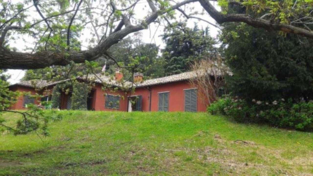Villa in Vendita a Eupilio