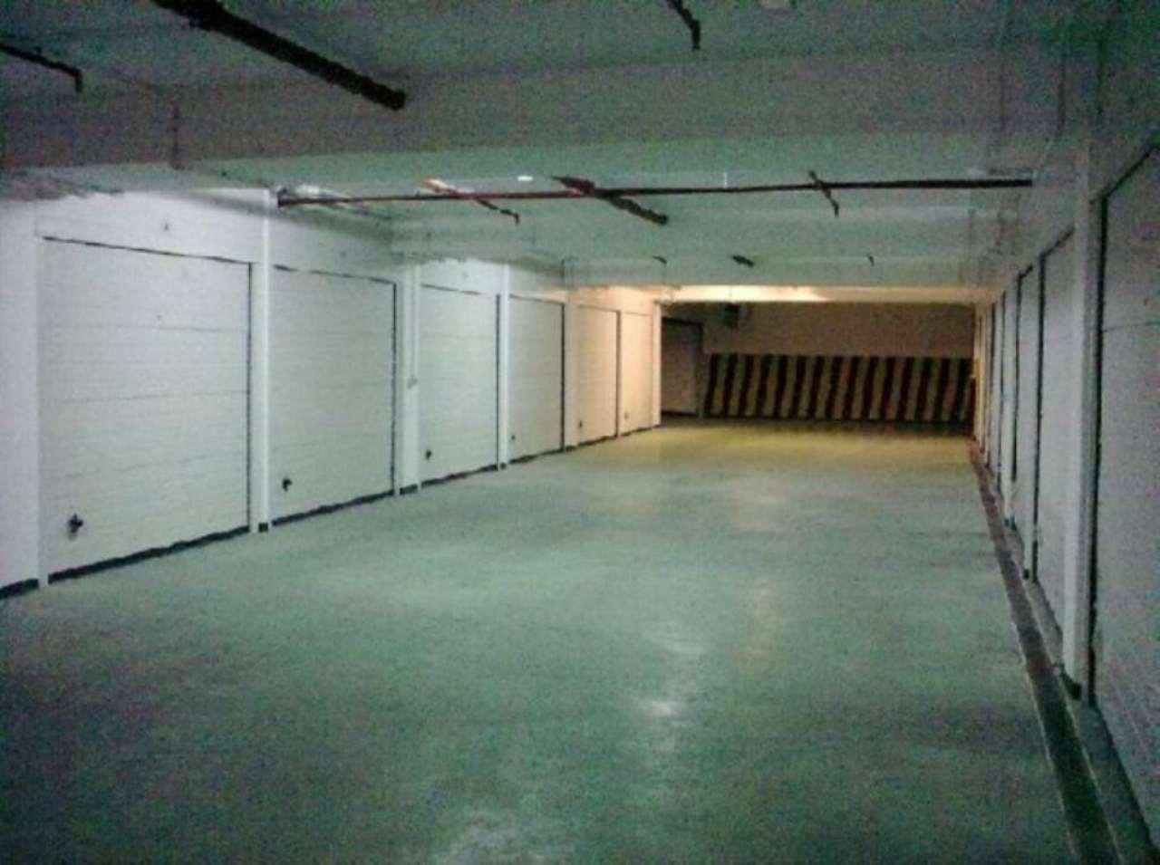 Box / Garage in Vendita a Portici
