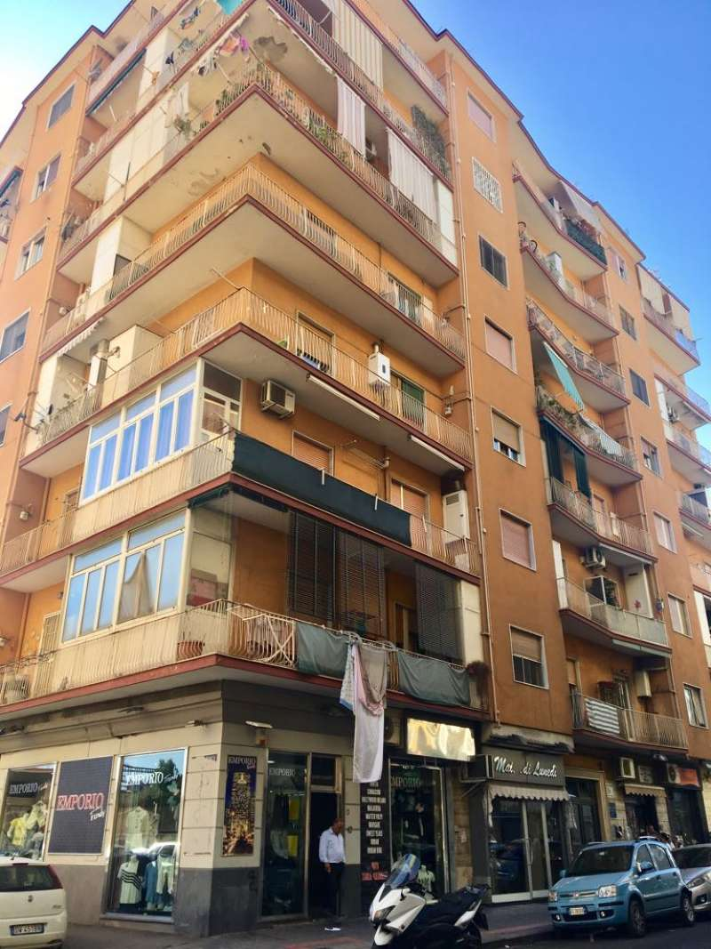 Appartamento in vendita a Napoli, 3 locali, zona Zona: 10 . Bagnoli, Fuorigrotta, Agnano, prezzo € 175.000 | CambioCasa.it