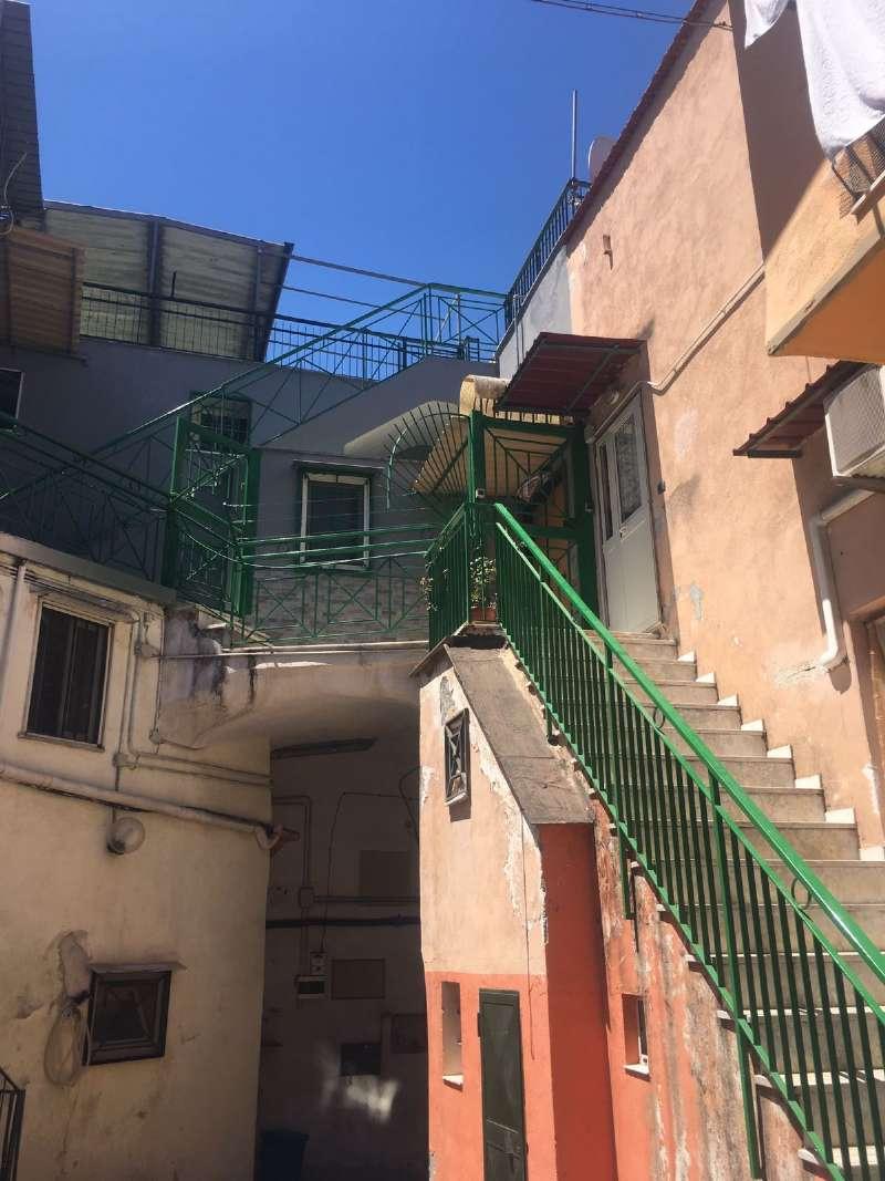 appartamento con terrazzo a Napoli - Cambiocasa.it
