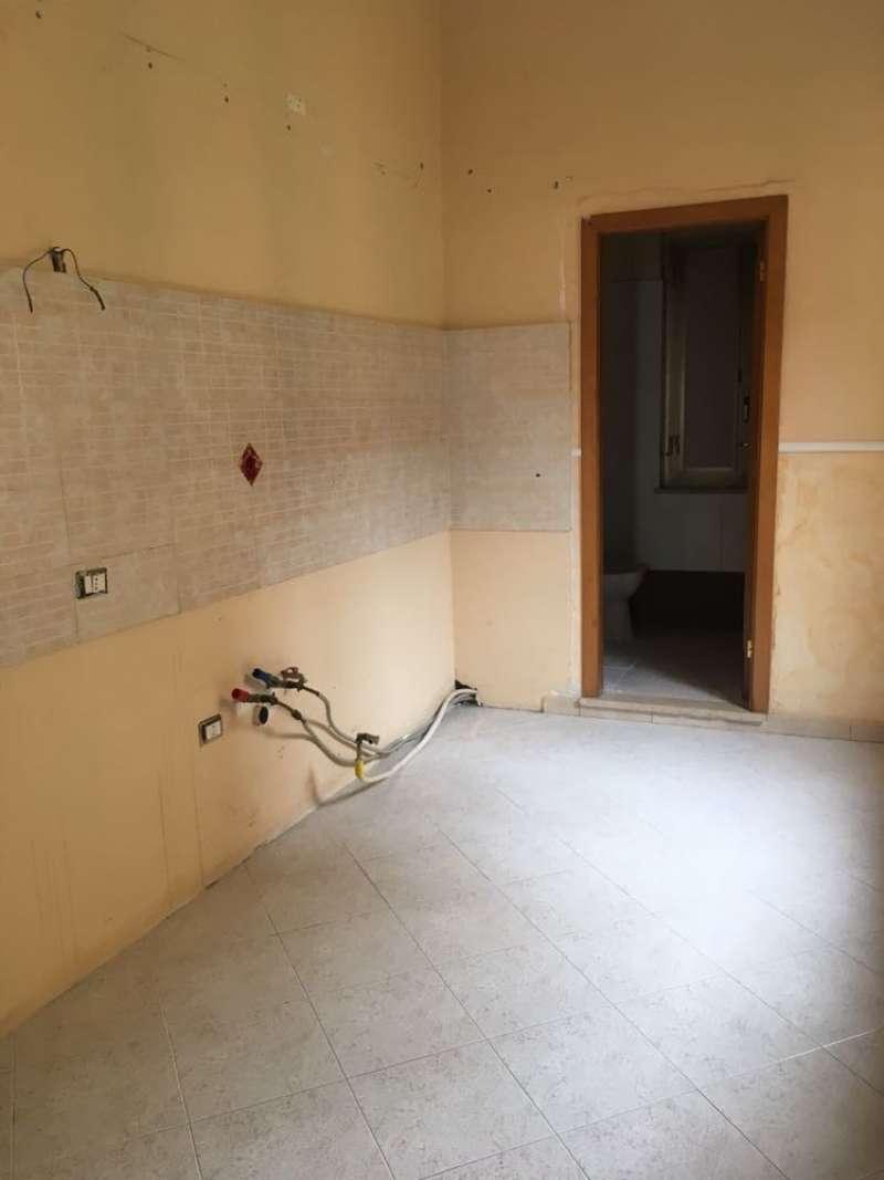 Appartamento in vendita a Napoli, 2 locali, zona Zona: 6 . Ponticelli, Barra, San Giovanni a Teduccio, prezzo € 99.000 | CambioCasa.it