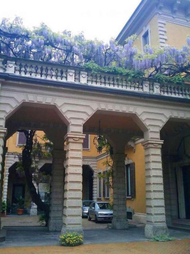 Appartamento in Affitto a Milano 01 Centro storico (Cerchia dei Navigli): 5 locali, 450 mq