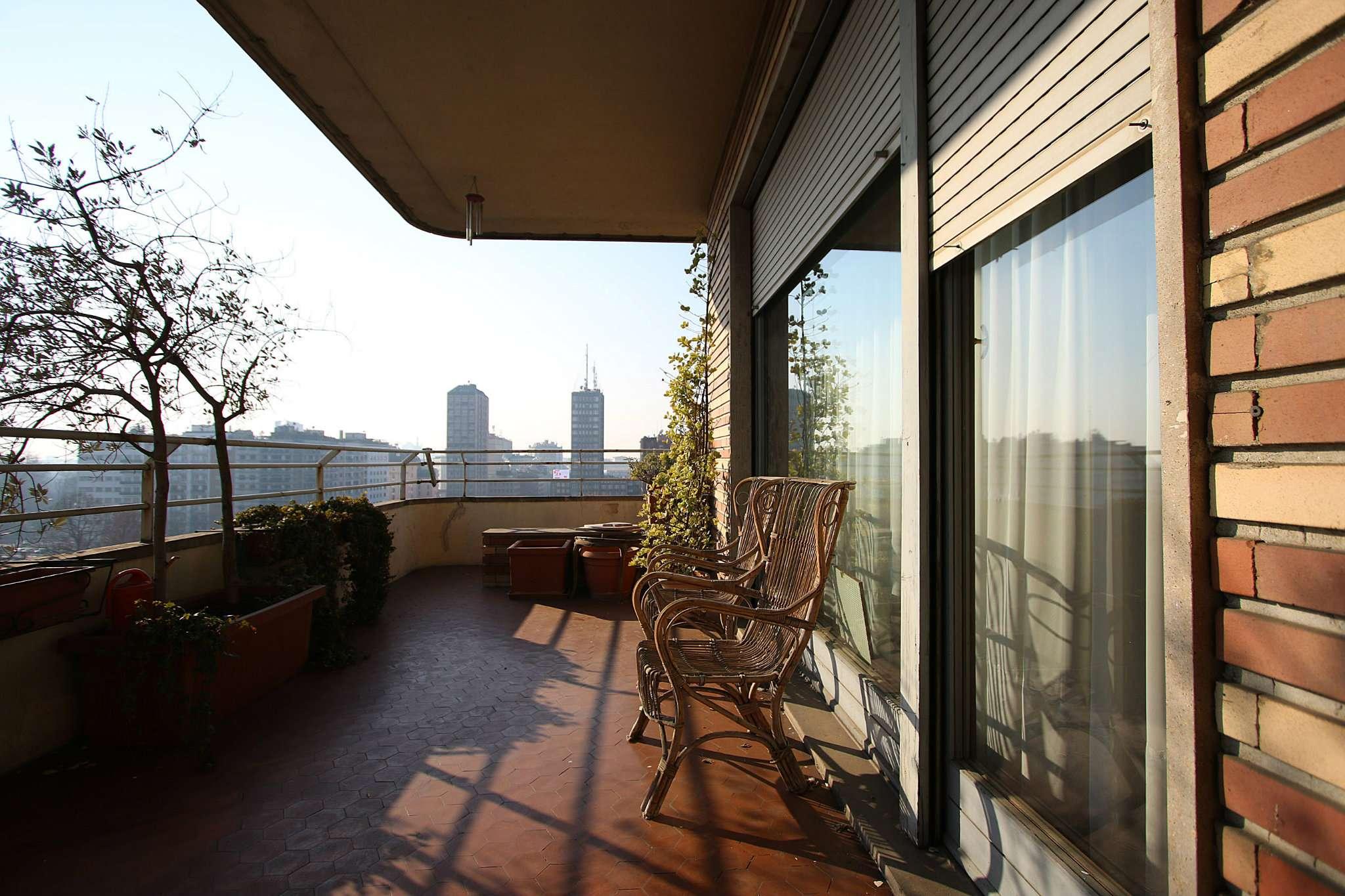 Appartamento in Vendita a Milano: 5 locali, 335 mq - Foto 2