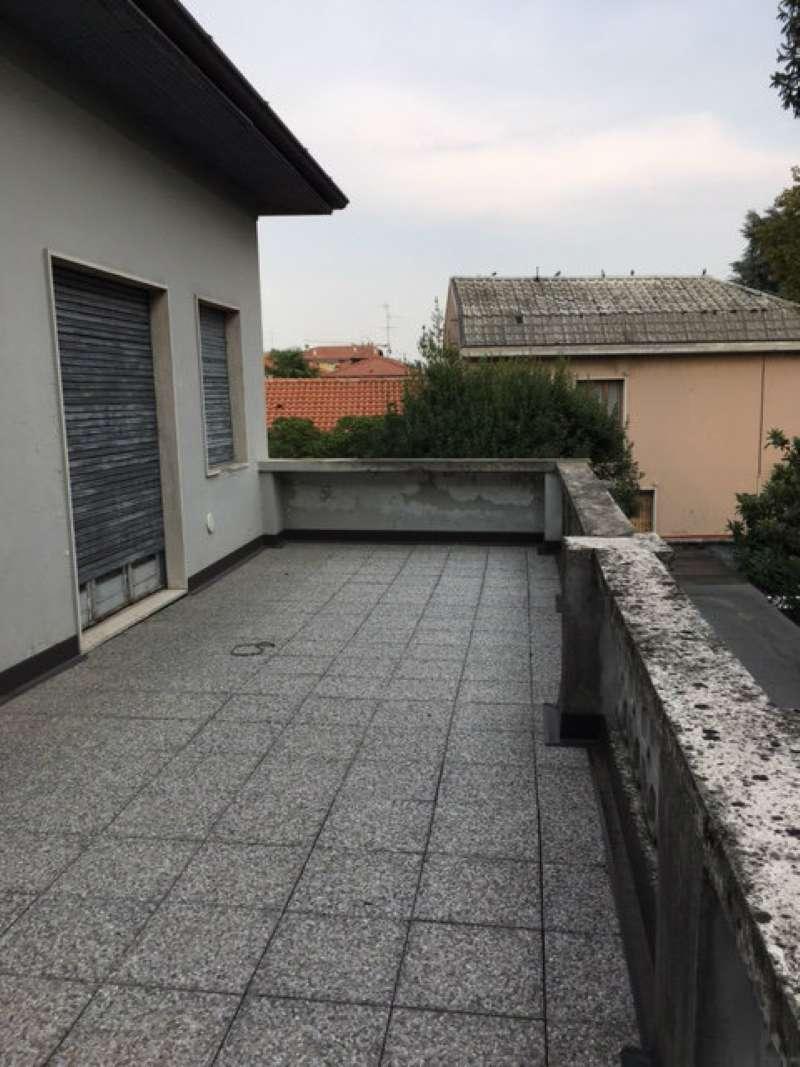 Palazzo in Vendita a Melzo: 5 locali, 1000 mq