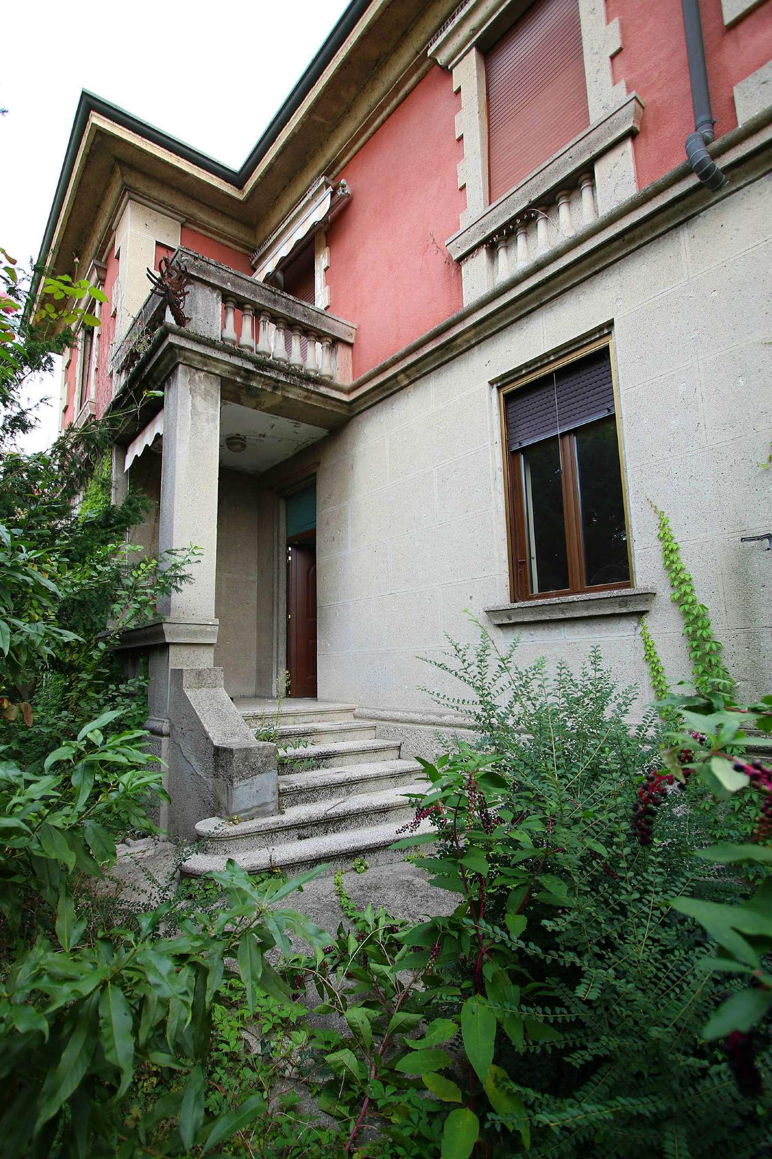 Villa in Vendita a Melzo: 5 locali, 600 mq