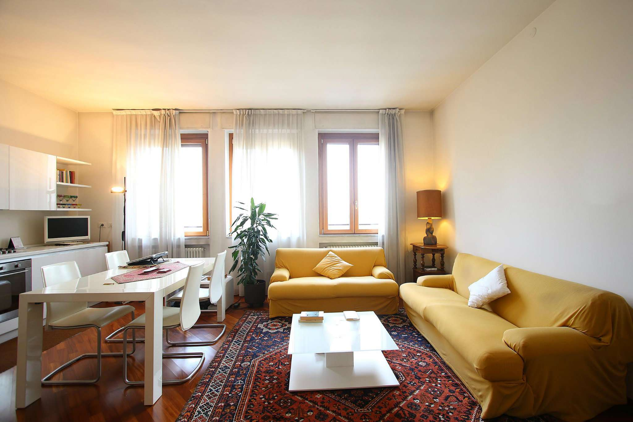 Appartamento in Vendita a Milano 01 Centro storico (Cerchia dei Navigli): 2 locali, 65 mq