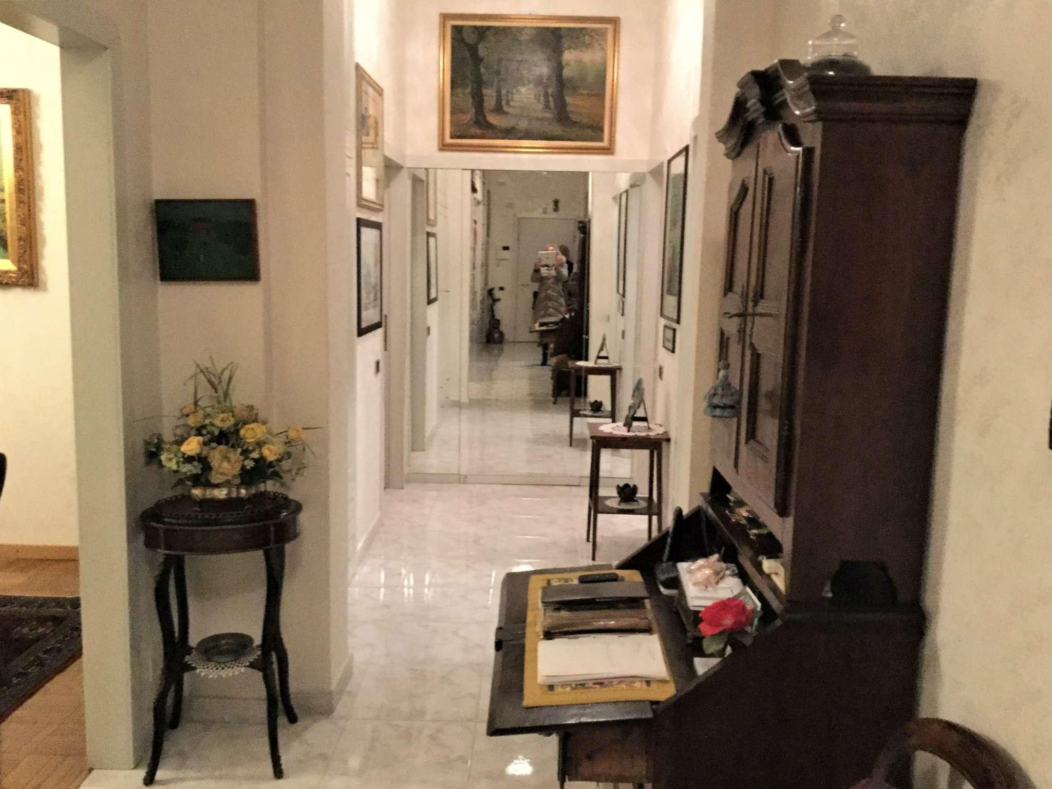Appartamento in Vendita a Milano via celestino quarto