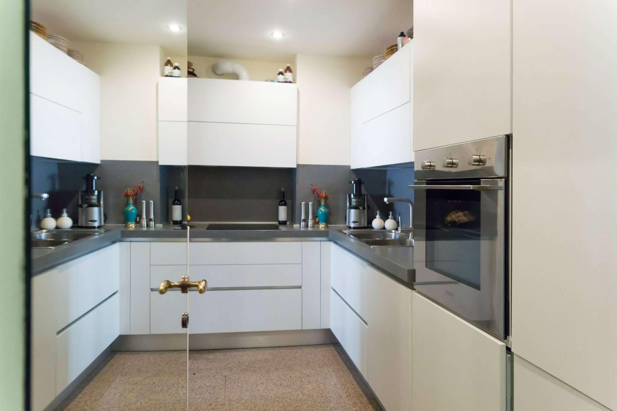 Appartamento in Vendita a Milano: 5 locali, 225 mq - Foto 2