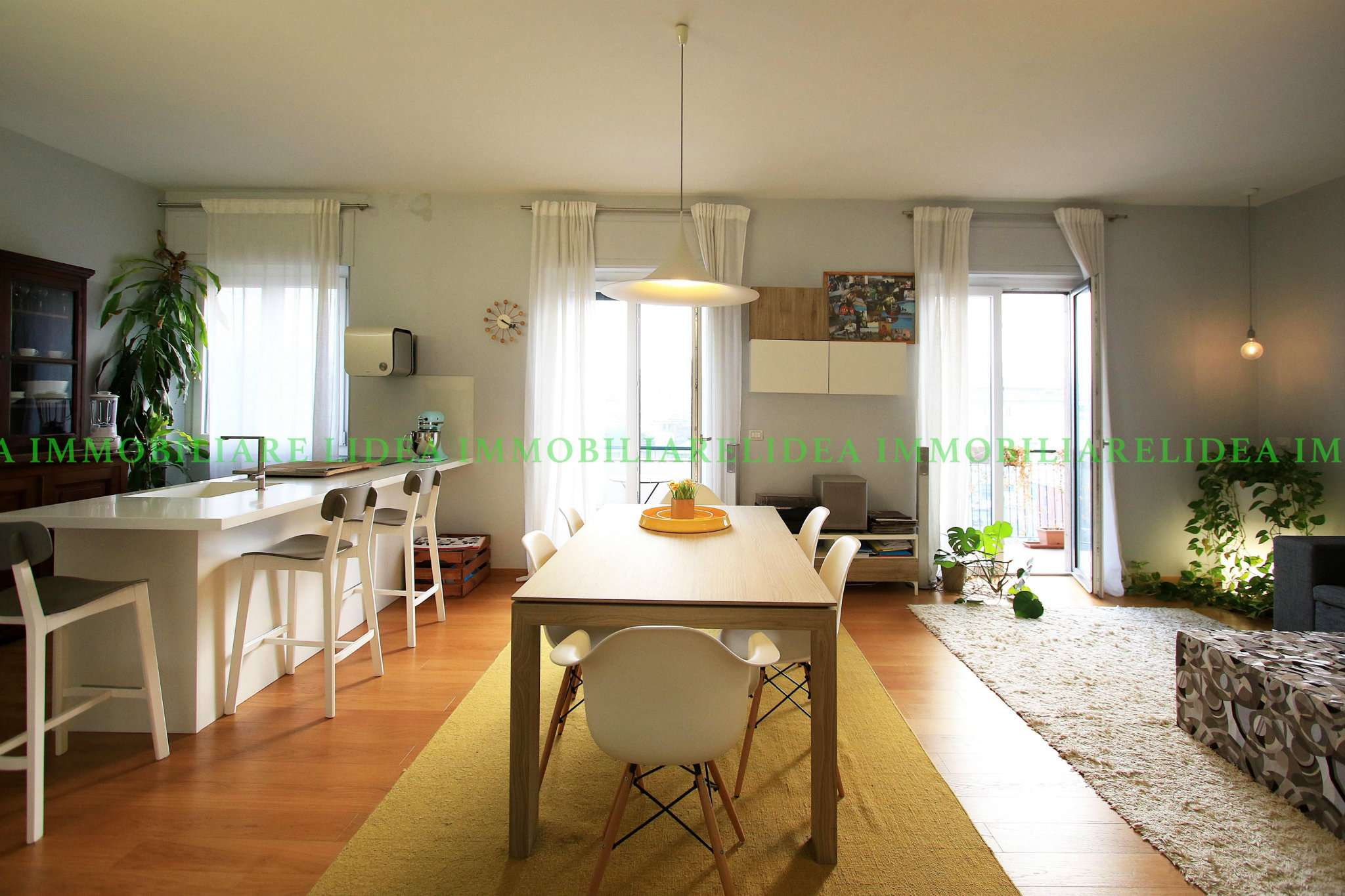 Appartamento in Vendita a Milano piazza piemonte