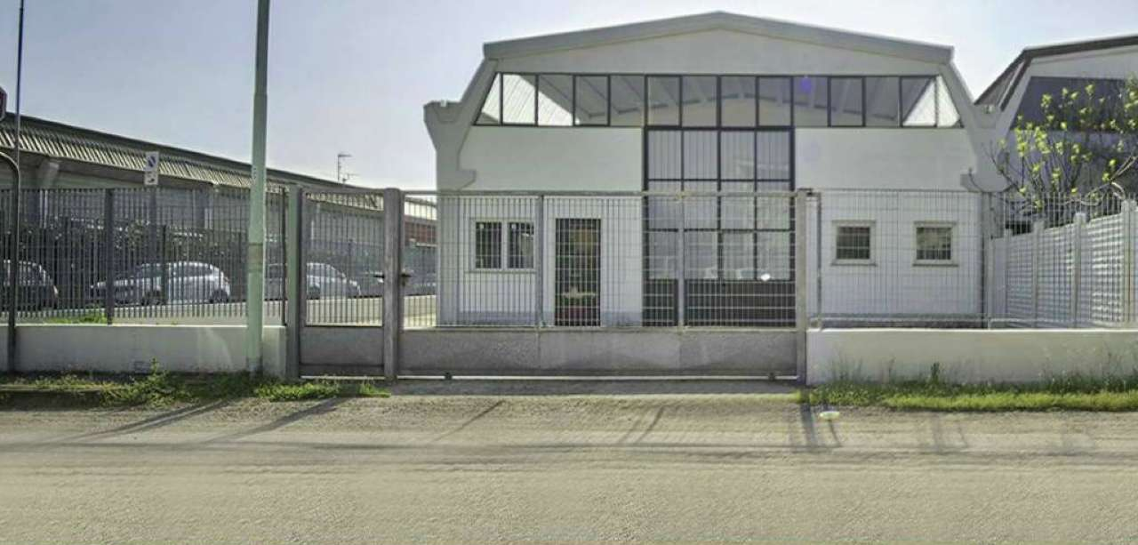 Capannone in Vendita a Milano 23 Forlanini / Mecenate: 3 locali, 500 mq