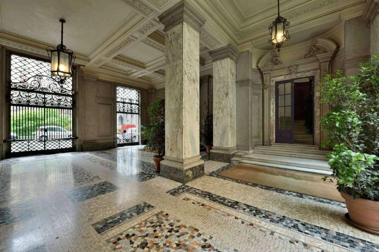 Appartamento in Affitto a Milano 01 Centro storico (Cerchia dei Navigli):  5 locali, 190 mq  - Foto 1