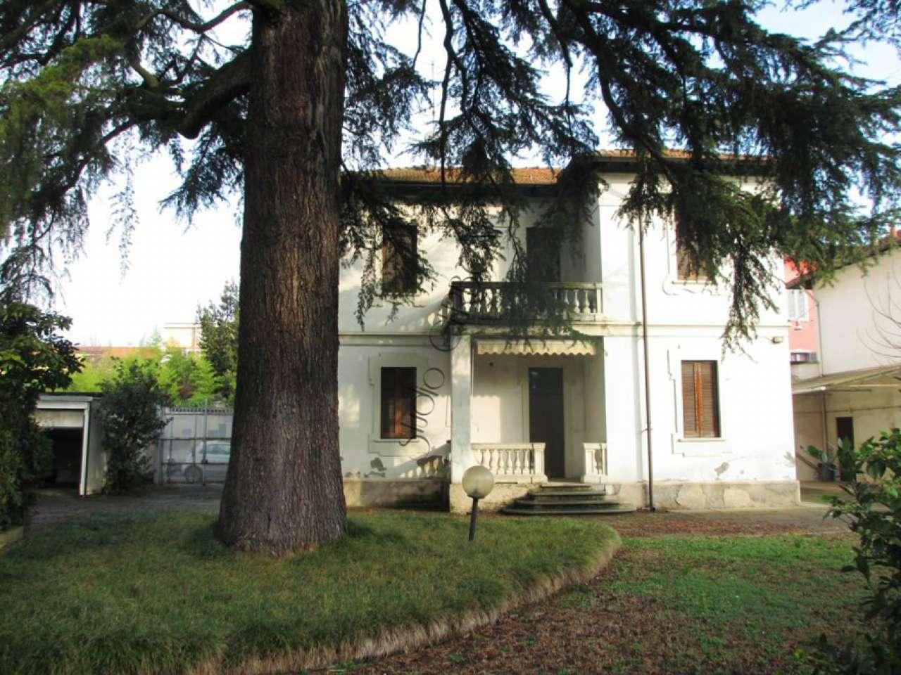Villa in vendita a Melzo, 6 locali, prezzo € 550.000   CambioCasa.it