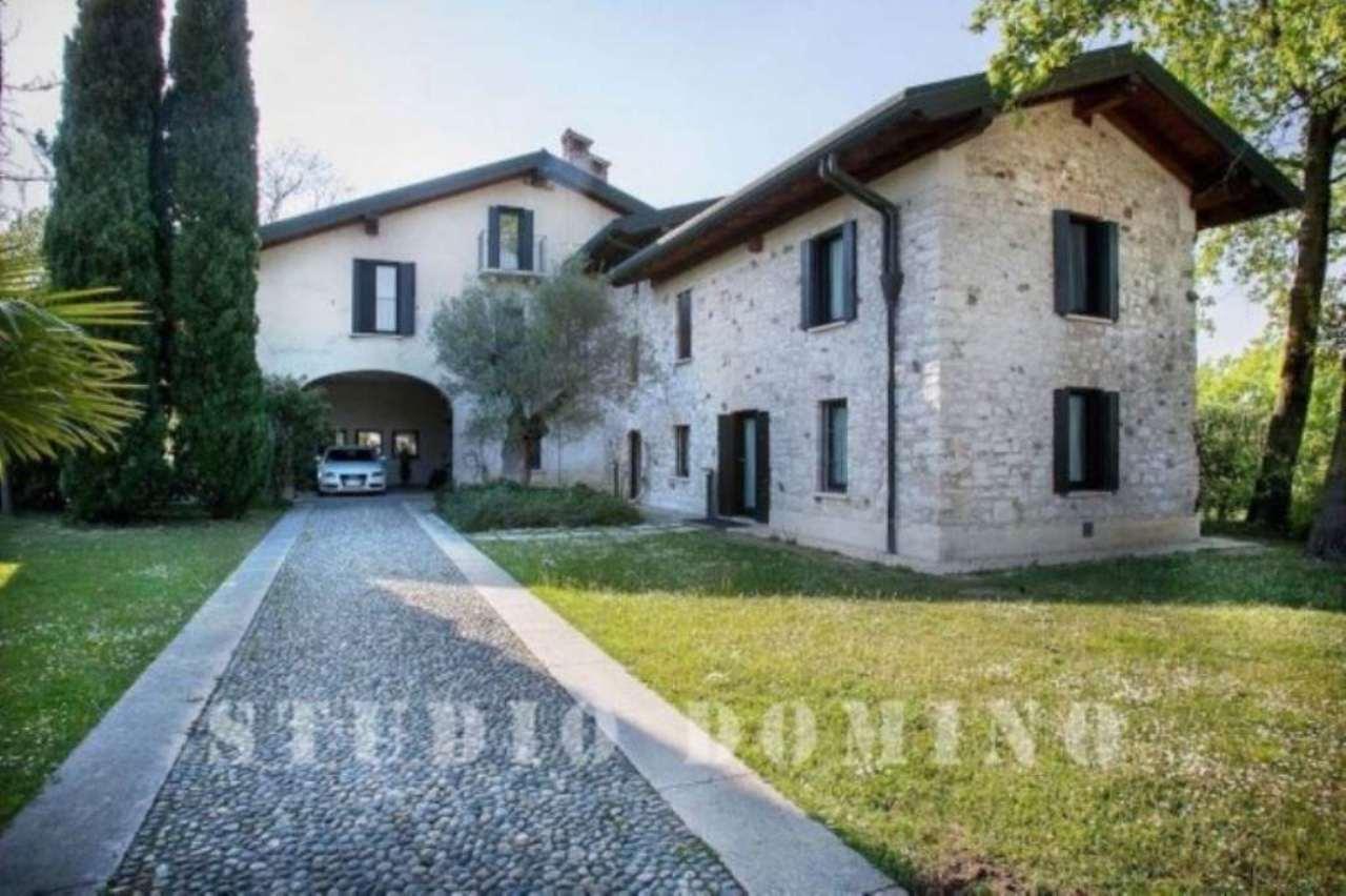 Villa in vendita a Sirmione, 6 locali, Trattative riservate | Cambio Casa.it