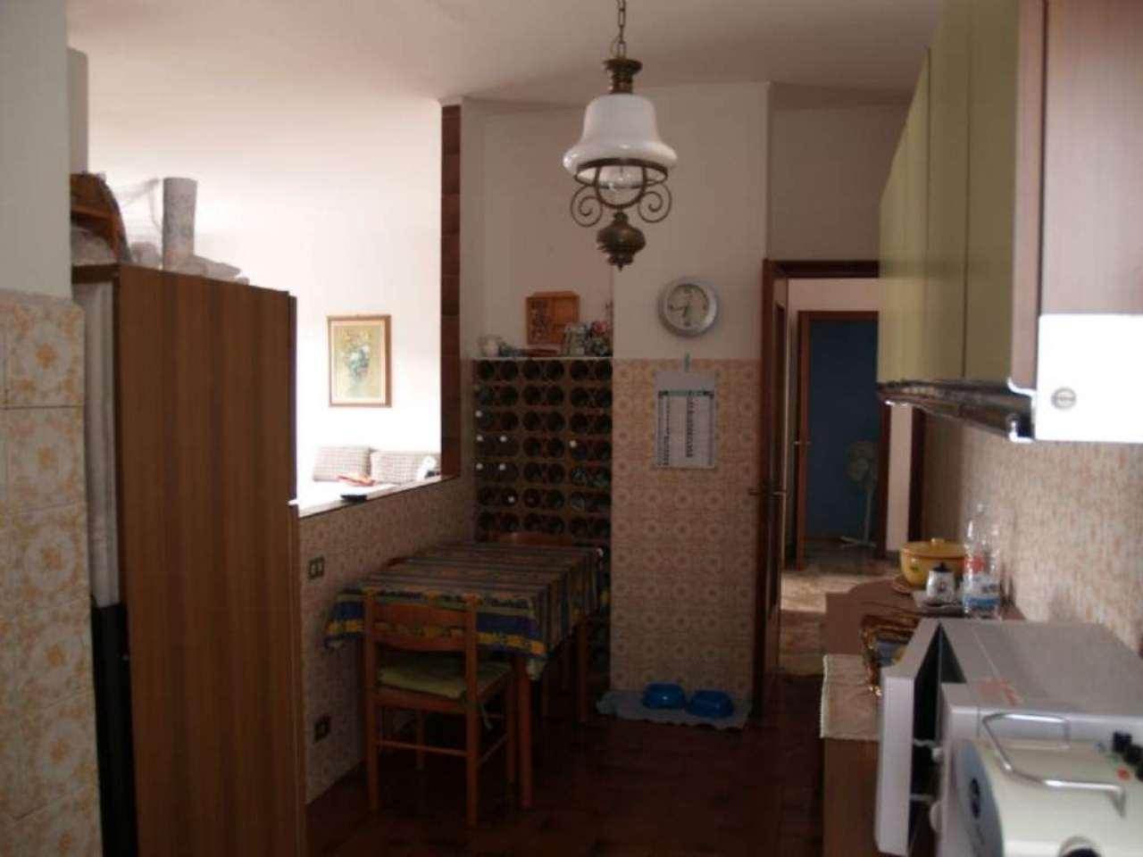 Bilocale Torino Via Guido Reni 7