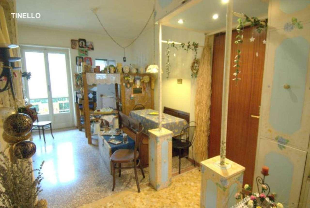 Bilocale Torino Via Mombasiglio 10