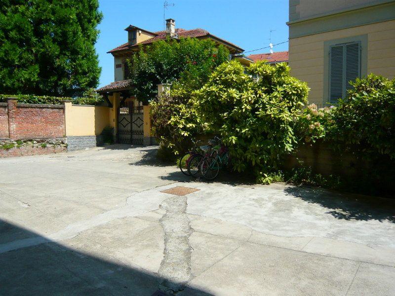 Bilocale Torino Via Morazzone 11